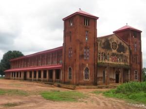"Foto: Kirche ""Holy Cross"" in Umulokpa, Nigeria, von 1930"